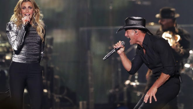 Tim McGraw and Faith Hill played to a sold-out crowd of more than 8,000 on their Soul2Soul World Tour 2018 Friday night at the Resch Center in Ashwaubenon.