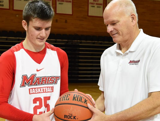 Lee family plays at Marist
