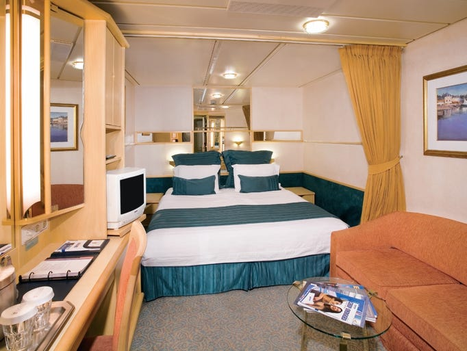 Last Look At Royal Caribbean 39 S Splendour Of The Seas