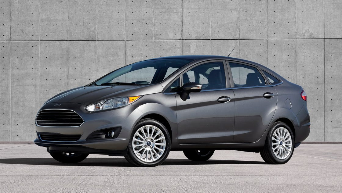 2015 ford fiesta lots of fun in small package. Black Bedroom Furniture Sets. Home Design Ideas