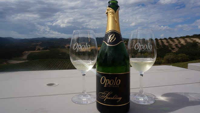 Opolo has a popular, casual restaurant, an inn and a guesthouse over looking its rolling hills.