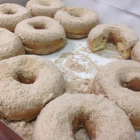 First in line gets free doughnuts for a year at Rise'n Roll grand opening in Greenwood