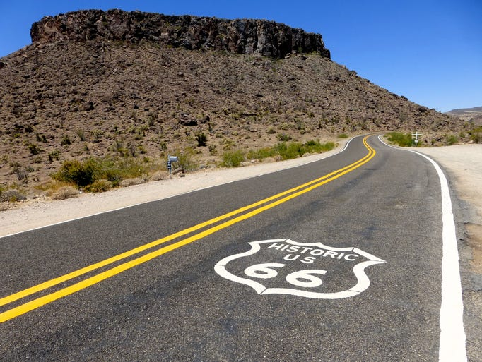 Mesa Trail starts from the shoulder of Historic Route