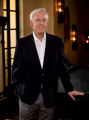 "Las Vegas gambler and investor William ""Billy"" Walters has been charged with criminal insider trading."