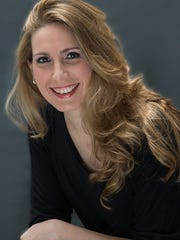 Argentinian soprano Laura Pisani will sing the Queen