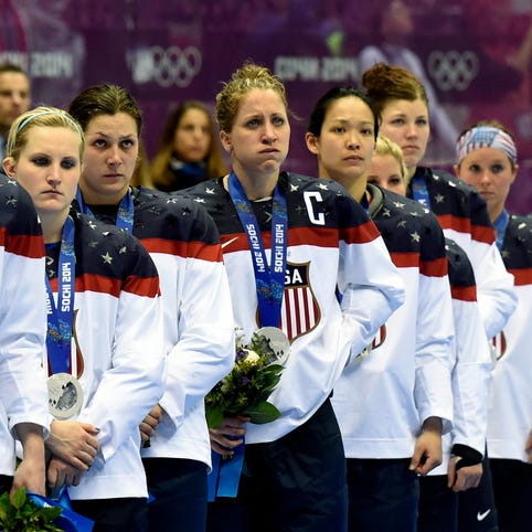 Five things to know in U.S. women's hockey team showdown with USA Hockey