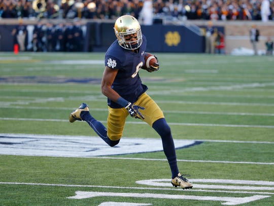 Notre Dame wide receiver Equanimeous St. Brown heads