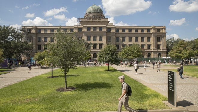 Prosecutors say Zhengdong Cheng hid his Chinese affiliations from Texas A&M University.