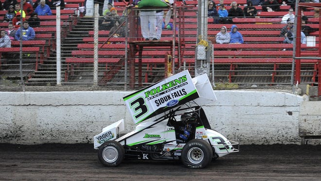 Tim Kaeding (3) takes part in the 410 sprint car races at Huset's Speedway in Brandon, S.D., Sunday, May 31, 2015.