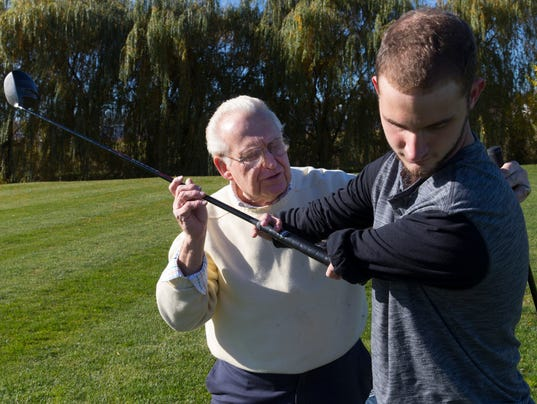 Bob Burns helps golfers with disabilities