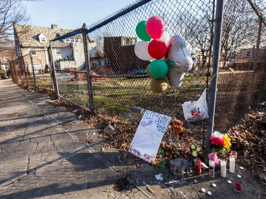 "A makeshift memorial for Samuel ""Sumo"" Copeland sits along West Seventh Street near Tilton Park on Tuesday afternoon."