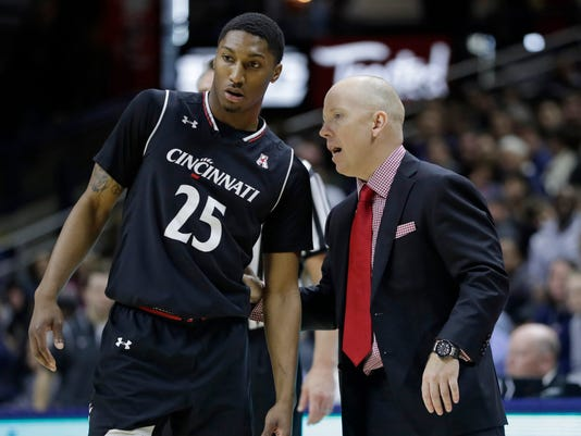 NCAA Basketball: Cincinnati at Connecticut