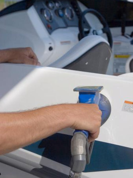 fueling boat
