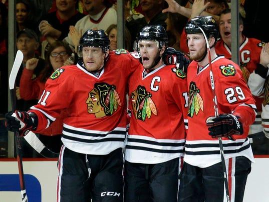 Kings_Blackhawks_Hockey_CXA116_WEB038901