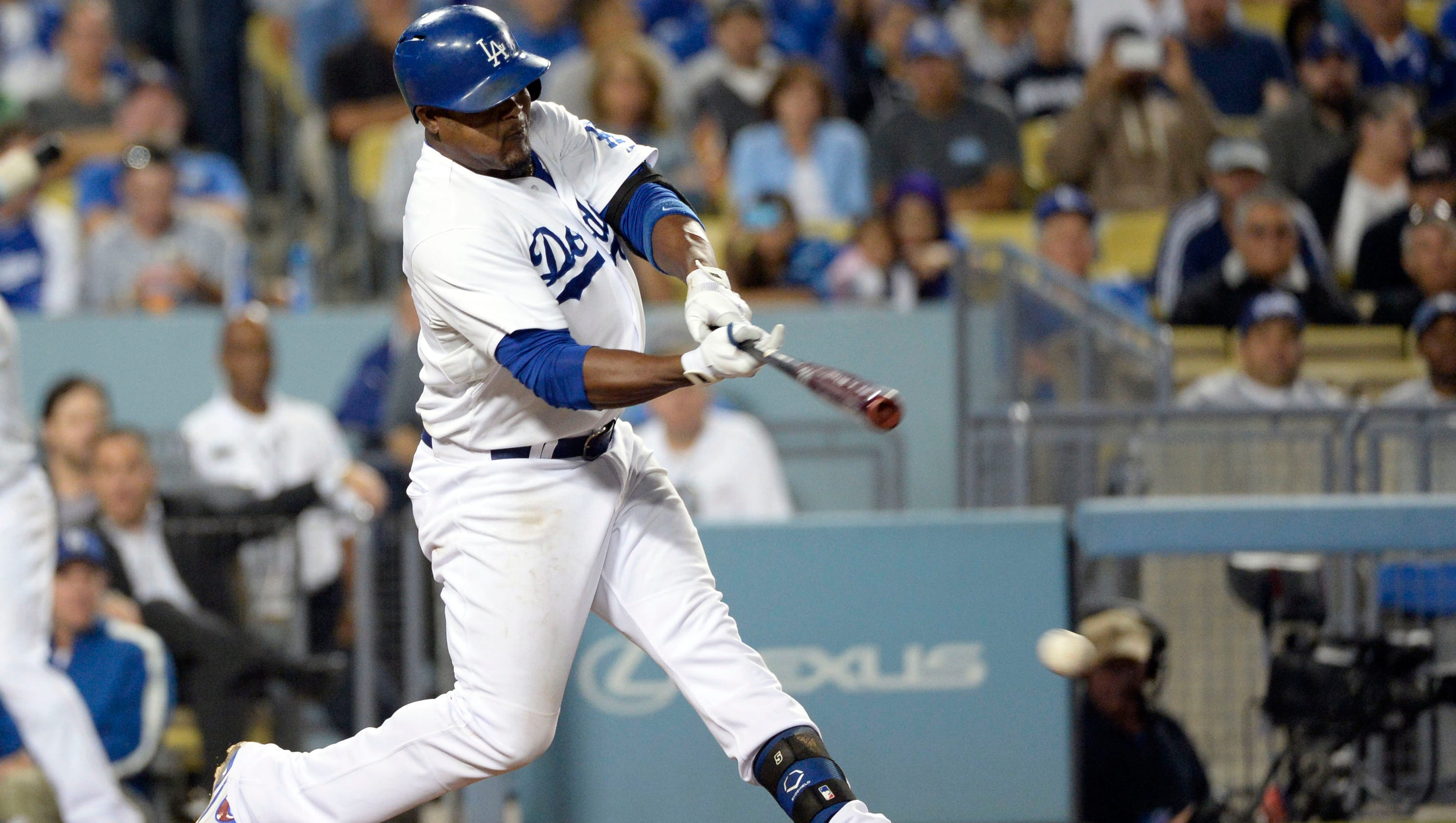 Juan Uribe hits 3 HRs in Dodgers' win over D-backs