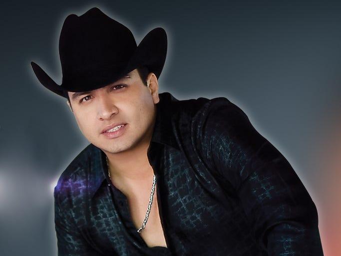 El nombre completo de Julión Álvarez es: Julio Cesar