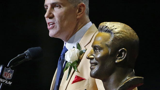Iowan and NFL Hall of Fame quarterback Kurt Warner during his 2017 induction ceremony in Canton, Ohio.