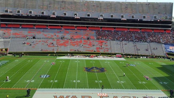 Alabama plays Auburn in the 2015 Iron Bowl at Jordan-Hare Stadium.