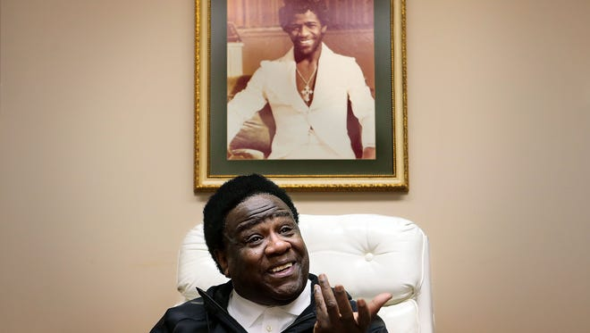During an interview at his recording studio office, R&B legend Al Green talks about his 40 years of preaching, his music carreer, his family, the grammys, and meeting Elivis in a bathroom. Green is celebrating 40 years as pastor of the Full Gospel Tabernacle in Whitehaven.
