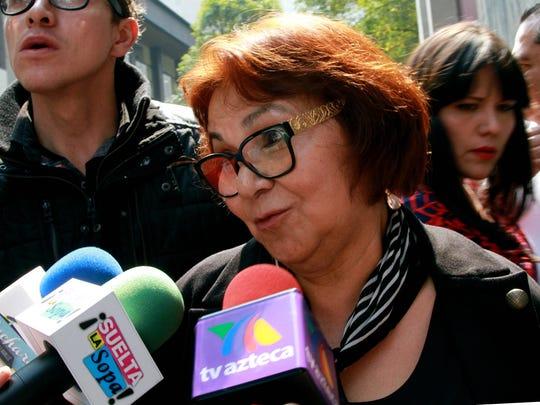 Consuelo Rosales, madre de Joao, aseguró que Juan Gabriel siempre reconoció a su hijo y muestra de ello son los documentos con los que cuentan.