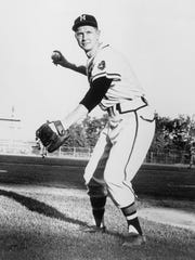 UNDATED:  Red Schoendienst #4 of the Milwaukee Braves poses for an action portrait. Schoendienst played for the Braves from 1957-1960. (Photo by National Baseball Hall of Fame Library/MLB Photos via Getty Images)