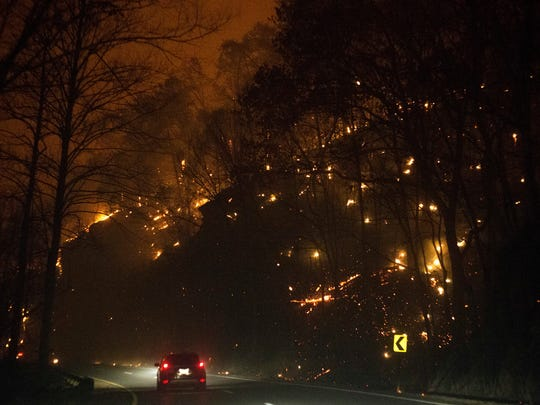 Fire erupts on both side of Highway 441 between Gatlinburg