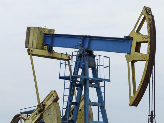 517328141 Fracking & drilling stock art.jpg