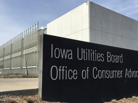 635989878430025473-Iowa-Utilities-Board-March-25-2016-photo.jpg