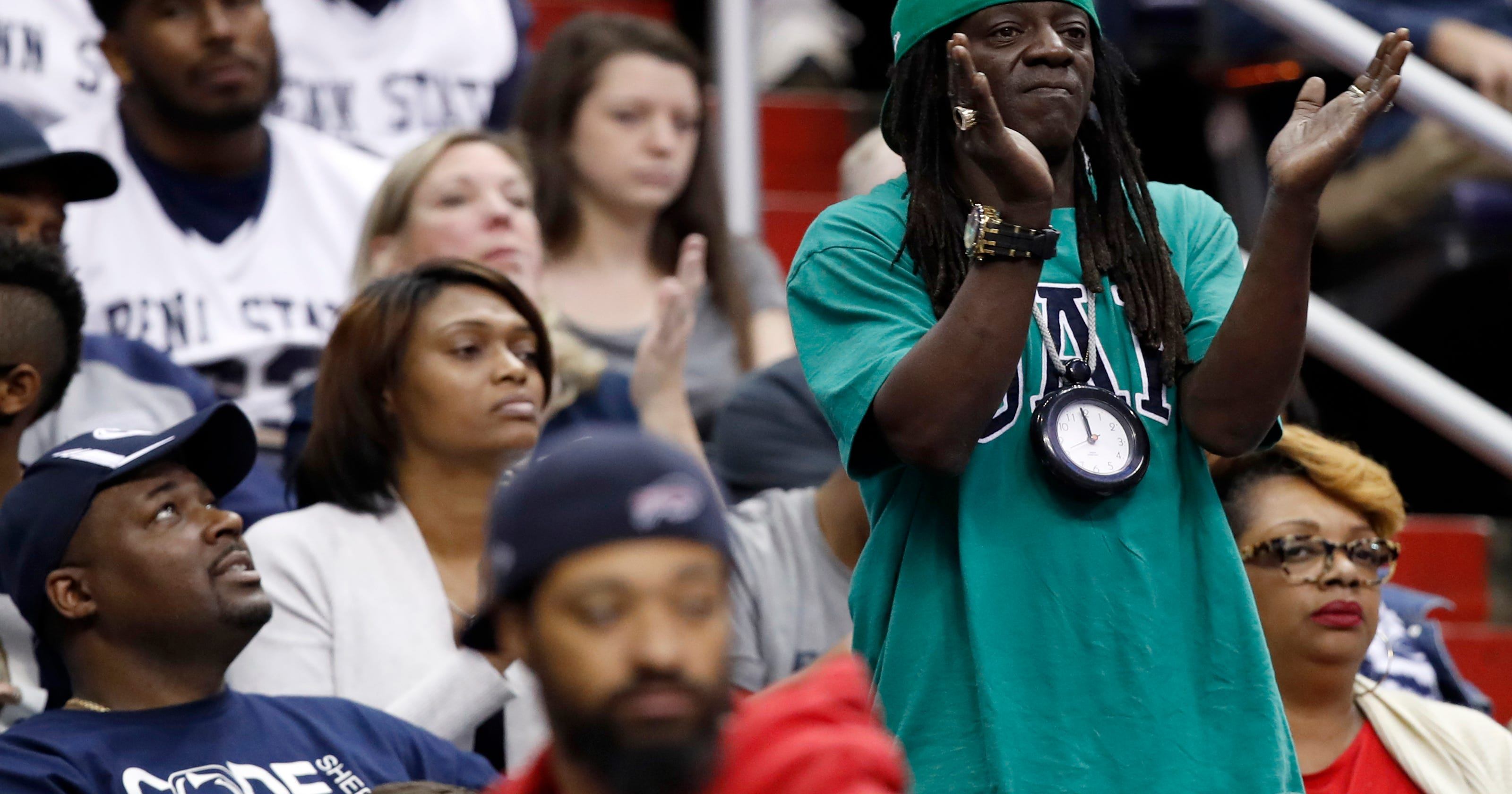 Flavor Flav cheers on cousin Shep Garner and Penn State to win