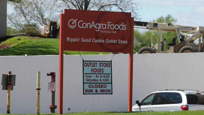 """ConAgra Foods, which produces Rippin' Good Cookies, will close its west plant starting in September through the end of the year. About 300 people work at the facility and may apply for other positions within the company. The west plant produces """"soft bake and enrobed cookies."""" The closing will not affect the east plant, which produces wafer cookies."""