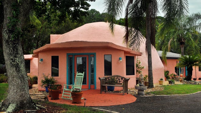 Pink Dome Home in Cocoa owned by Cindy Thomas and her husband Richard Thomas .