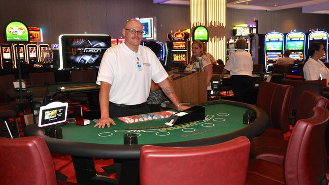 Blackjack dealer Rusty Ruffcorn at the new $40 million Wild Rose Casino & Resort in Jefferson.