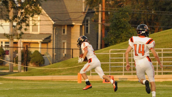 Tecumseh's Mason Malinczak runs with the ball after a catch during  a game in the 2019 season.