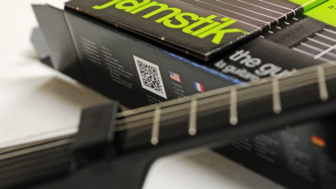 Sioux Falls native Ed Cannon led the market introduction of Jamstik, a wireless digital guitar compatible with iPads, iPhones and Mac computers.