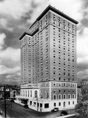 Ca 1930's photograph of the Andrew Johnson Hotel.