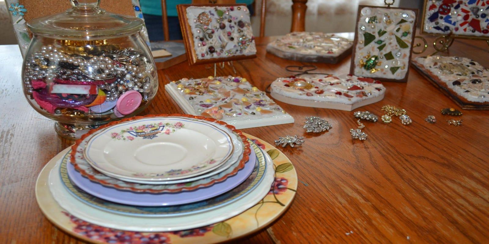 Teen Turns Great Grandma S Broken Plate Into Mosaic