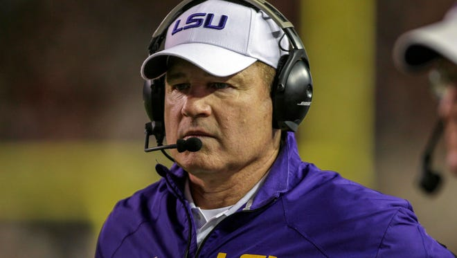 LSU coach Les Miles says he isn't going to Michigan