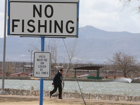 Ascarate algae problem may cost county 15 000 for El paso fishing
