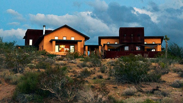 Sacred Sands: A Joshua Tree Guest Retreat and Luxury