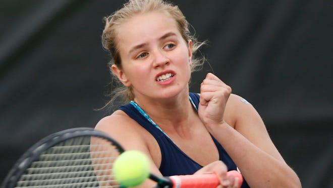 Sydney Jacobsen helped Harrison win a sectional title last season.