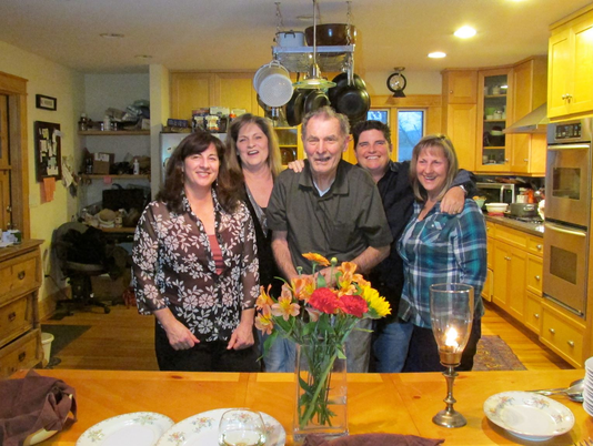 Memory-Care-dad-thanksgiving-with-daughters.png