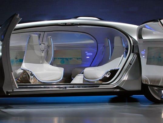 635576043616908921-F015-Mercedes-Benz-interior