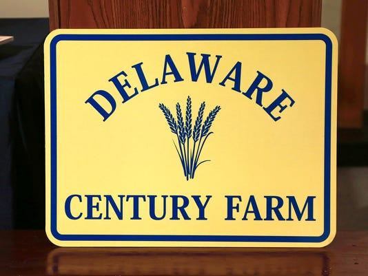 636148267769846445-Century-Farm-sign.jpg