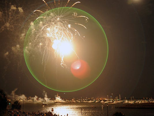 Pensacola fireworks 3