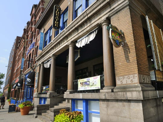 Pioneer Place on Fifth and Veranda Lounge.