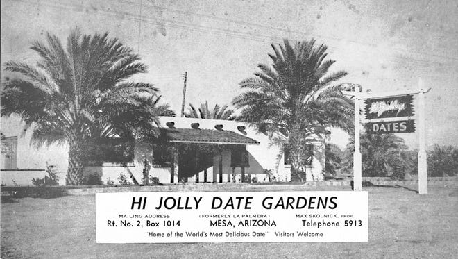 """In 1948, almost immediately after leasing La Palmera, John Babcock's citrus and date farm and roadside business, Max Skolnick published his first brochure promoting what he renamed Hi-Jolly. Apparently using an older photograph, he had La Palmera, which can be seen on the wooden sign above """"Dates,"""" scratched out on the negative."""