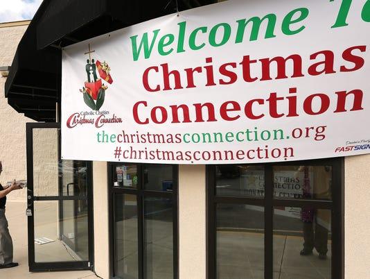 636154192570260019-TLHBrd-11-28-2014-Democrat-1-A001--2014-11-27-IMG--Christmas-connectio-1-1-5F98NNE8-L524990301-IMG--Christmas-connectio-1-1-5F98NNE8.jpg