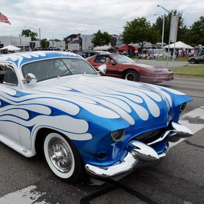 Sh'Boom, an annual Dream Cruise favorite, rolls along