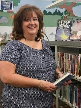 Donna Cunningham has been named the new Director of Youth Service at Lincoln Public Library District.