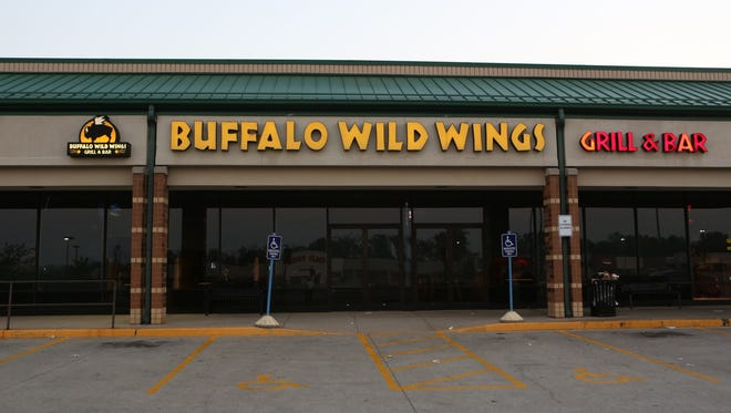 The Buffalo Wild Wings restaurant located at 1091 Smiley Avenue in Forest Park.